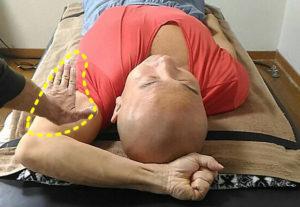 肩こり首痛向けのほぐし整体技