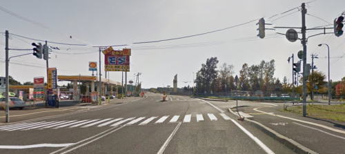 札幌方面から始まる国道12号線と江別市10丁目の交差点画像